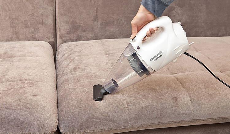 Чистку мягкой мебели следует выполнять своевременно
