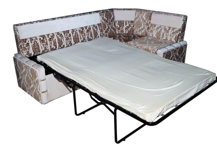 Маленький угловой диван со спальным местом «французская раскладушка»