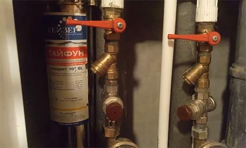 Регулятор давления воды для системы водоснабжения: выбор и установка