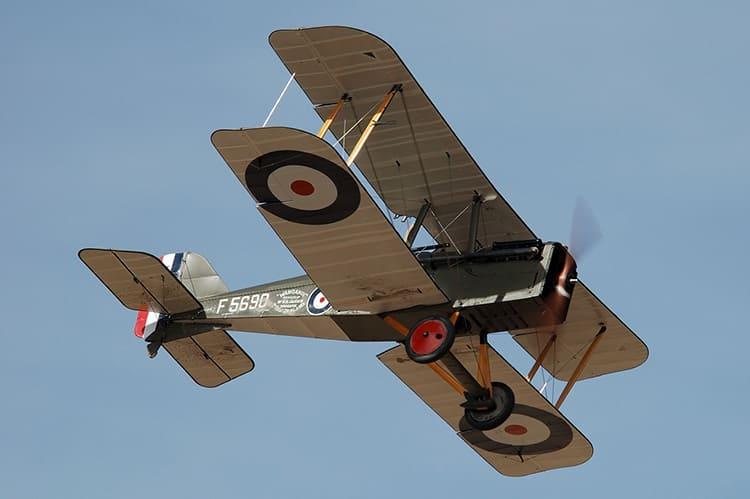Перкаль пропитывали лаком и придавали ей форму для обтягивания корпуса и крыльев летательных аппаратов