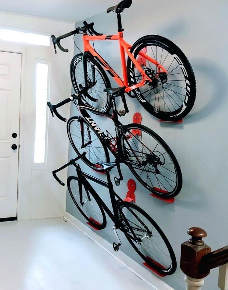 Удобно хранить сразу несколько велосипедов