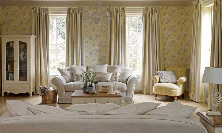 В зависимости от выбранного дизайна, полотно может полностью или частично прикрывать окно, состоять из одной или двух частей