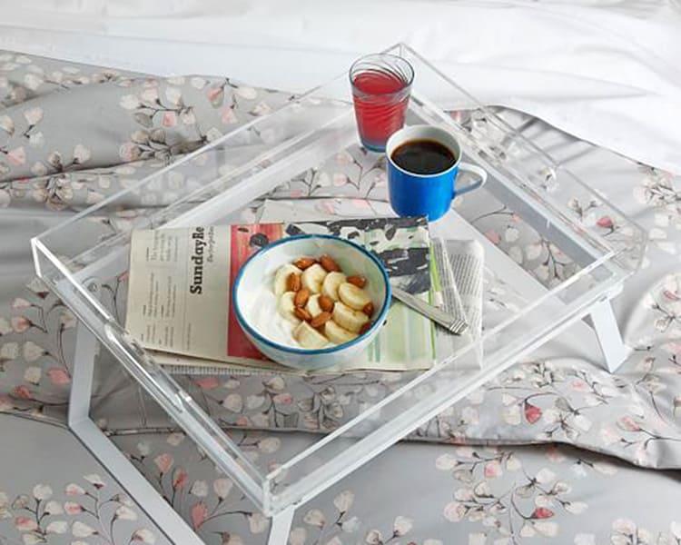 Накроватная конструкция из стекла