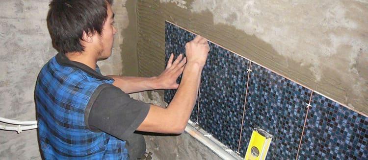 Укладываем плитку на хорошо подготовленную поверхность