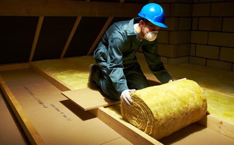 Стекловата не привлекает мышей и насекомых, а потому очень активно используется в частных домах