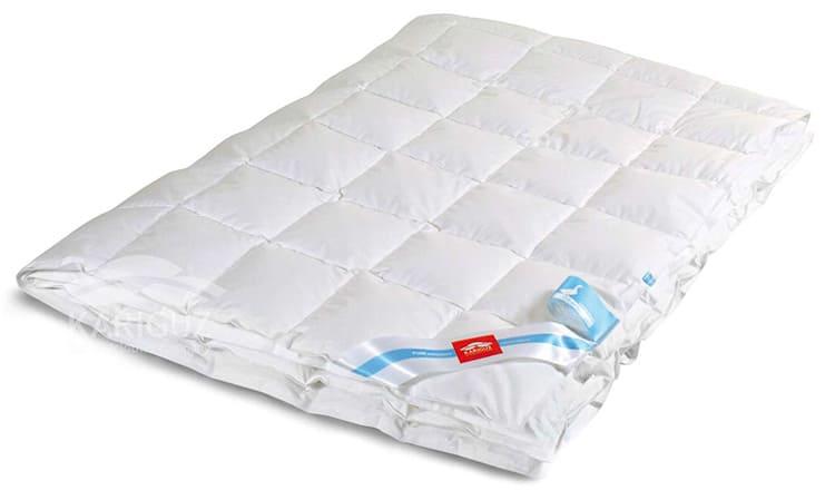 Такие одеяла не боятся стирки и служат очень длительное время