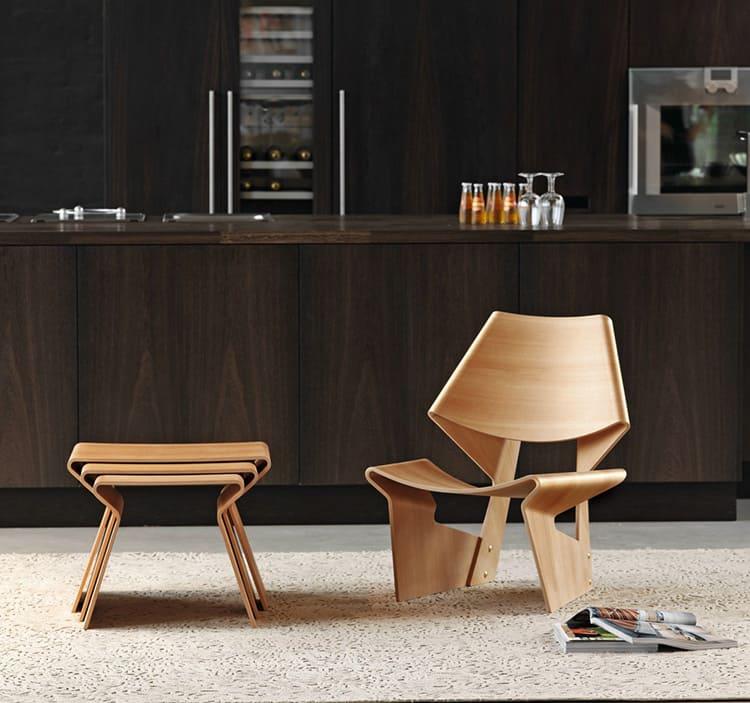 Фанера позволяет дизайнерам мебели экспериментировать с формами