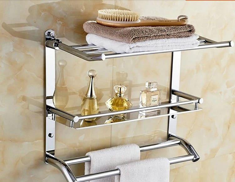 Имейте ввиду, за такой мебелью нужен постоянный уход. Иначе, во влажном микроклимате ванной, на них образуется налёт и ржавчина