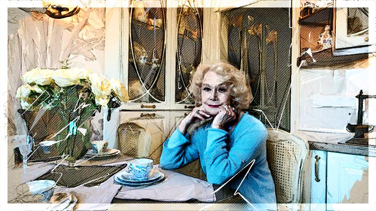Светлана Немоляева встречает гостей в обновлённой кухне