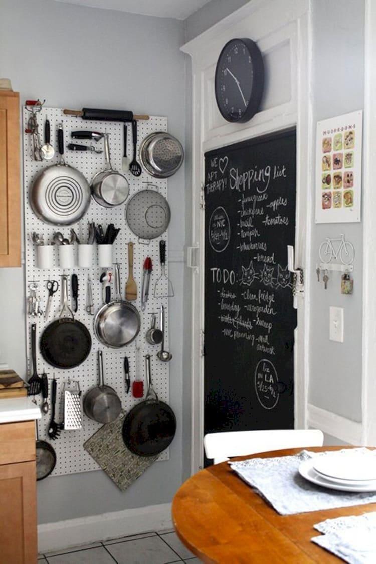 А в быту никогда не будет дно сковородок идеально чистым