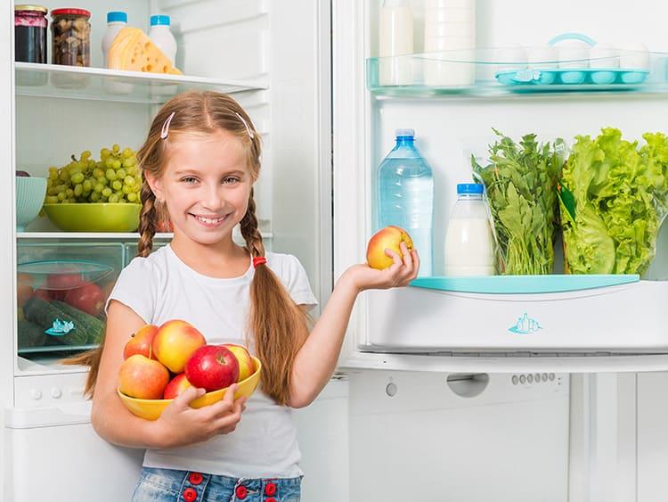 Помните, что объём энергопотребления зависит не только от класса, но и от режима пользования прибором. Если вы будут оставлять дверцы открытыми – холодильник будет потреблять больше энергии
