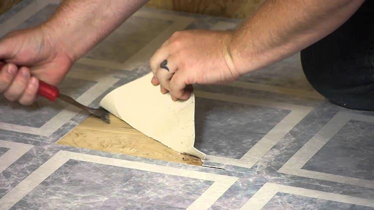 Демонтировать покрытие без повреждений практически невозможно