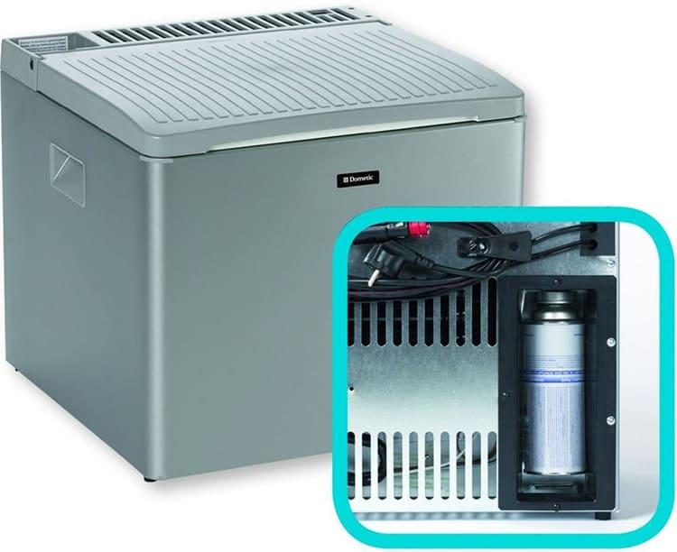 Такой холодильник обеспечивает разницу между наружной внутренней температурой в 30º