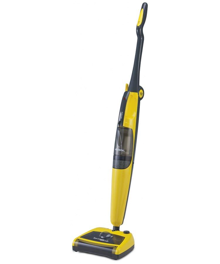 Встроенный пылесос позволит собрать всю грязь перед влажной уборкой