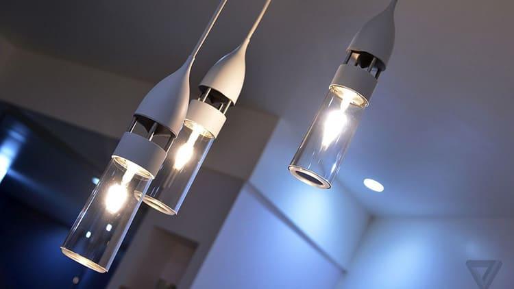 Определиться с выбором лампочек поможет тип люстры