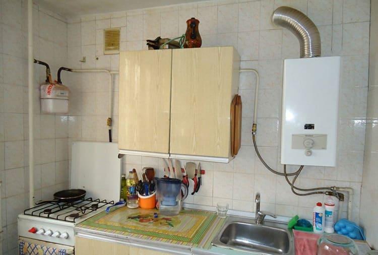 Типичная кухня в хрущёвке