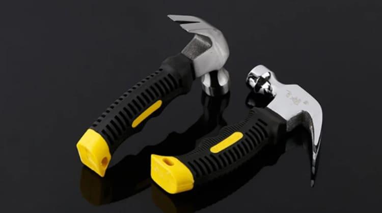 Инструмент выполнен из высокоуглеродистой стали и имеет удобную рельефную ручку
