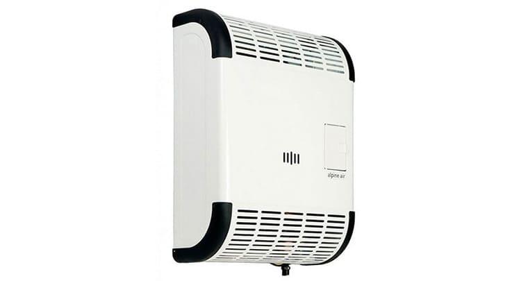 Вся система обслуживается автоматикой, не зависящей от электроэнергии. От розетки зависит только работа вентилятора, разгоняющего воздух