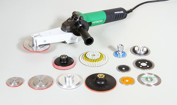 Многофункциональность этого инструмента обусловлена использованием разнообразных насадок, каждая из которых предназначена для своего вида операции