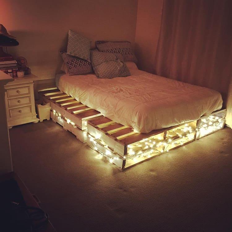Кровать из поддонов подходит не для каждого стиля интерьера