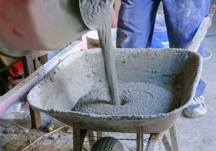 Грязь, она же цементный раствор для кладки
