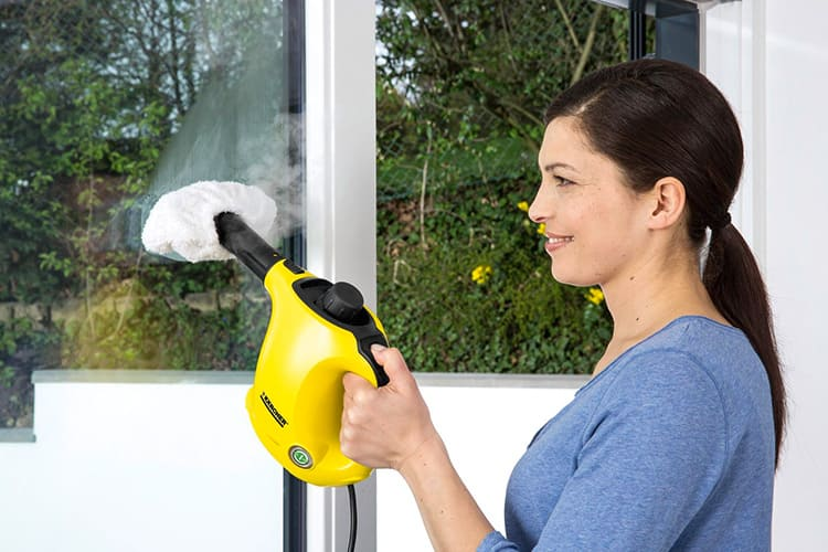 Ручным пароочистителем можно пользоваться в любом месте