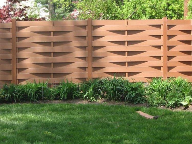Если вы планируете установку ограды, изучите особенности грунта и решите для себя, на какое время вы хотите забыть о проблемах с забором