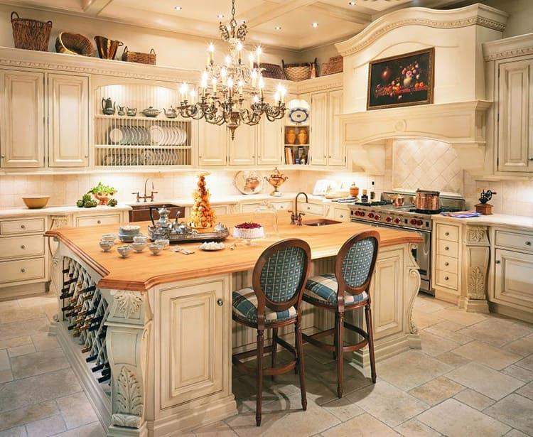 Такая люстра - идеальное решение для большого помещения кухни-столовой с высоким потолком
