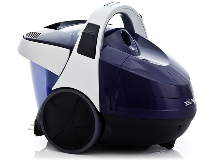 Ещё один не очень заметный нюанс – у модели прорезиненные колеса. Их особенно оценят обладатели полов из ламината или паркета