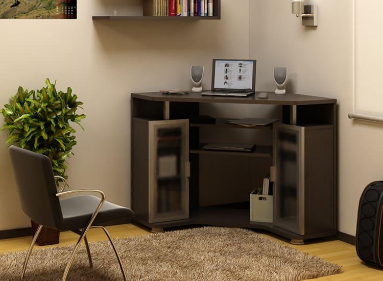 Ещё один стол для ноутбука