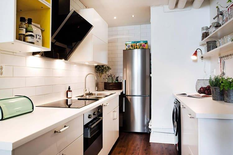 Подумайте, где и как вы планируете разместить холодильный шкаф на своей кухне