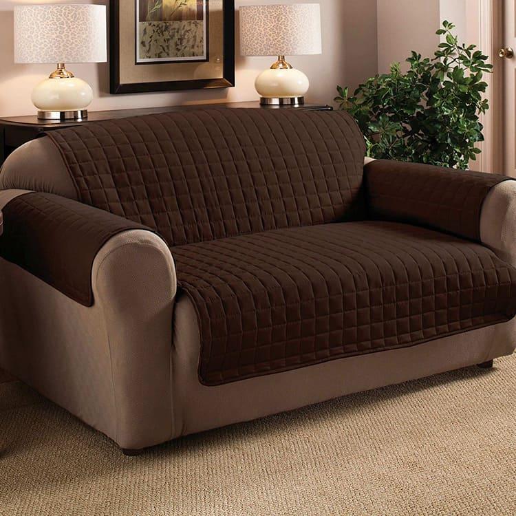 Размер зависит от габаритов мебели