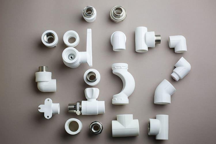Для соединения полипропиленовых труб следует использовать подходящие фитинги