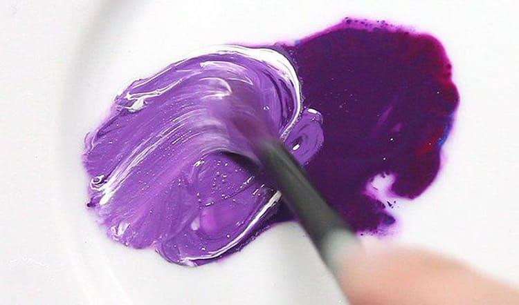 Если попытаться объединить готовый тон фиолетового и вновь образованный оттенок путём смешивания