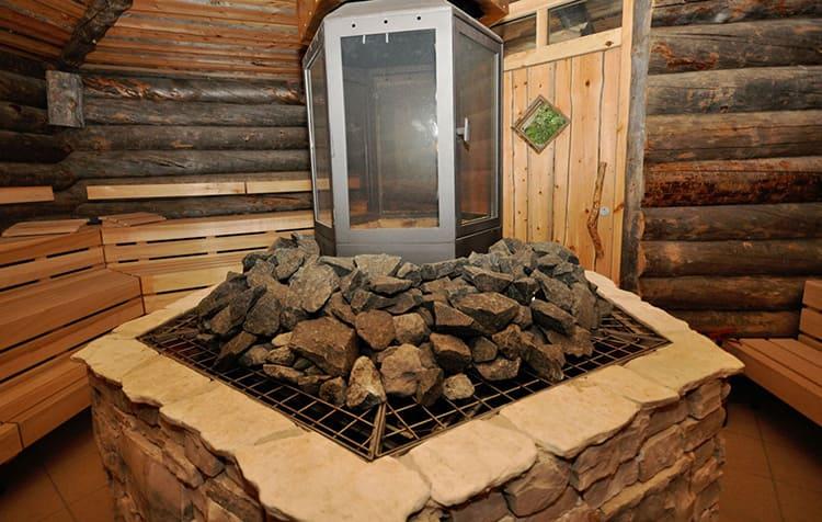 Камни в бане – важный атрибут, без которого невозможно устроить качественное парение