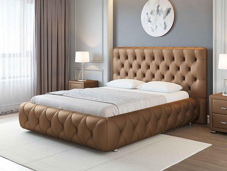 Полностью дутые и декорированные кровати отлично смотрятся в больших помещениях