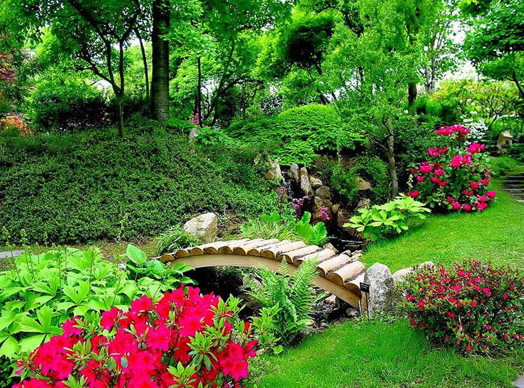Красивый сад невозможно представить без малых архитектурных форм