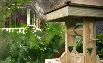 Как домик для колодца может стать украшением вашего участка