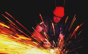 Мастер-класс по металлоремонтным работам: 3 простых способа ровно отрезать трубу болгаркой
