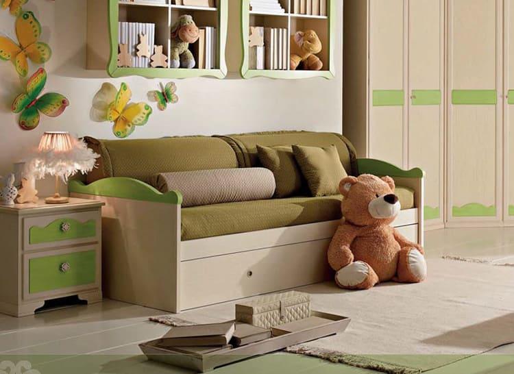 Главное, правильно выбрать для ребёнка удобный и безопасный диванчик
