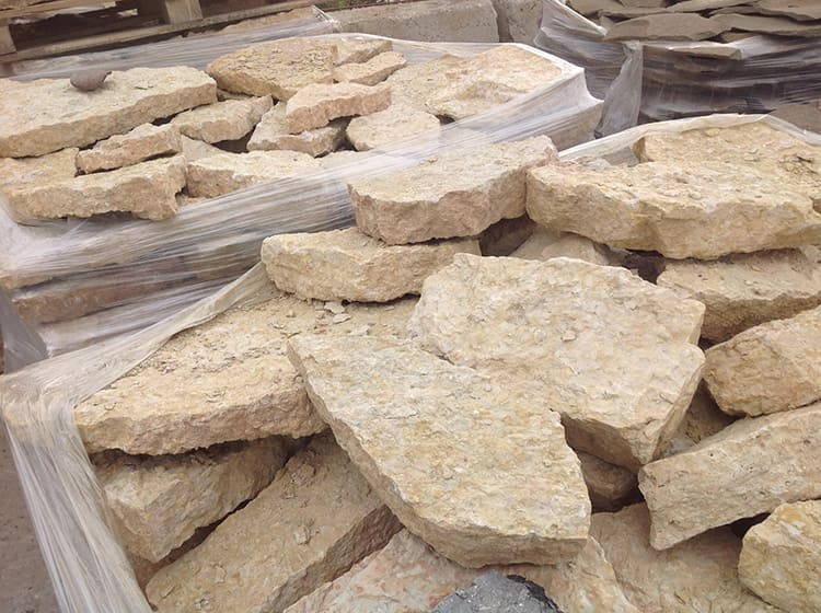 Разумеется, не стоит собирать камни вблизи объектов повышенной радиационной опасности