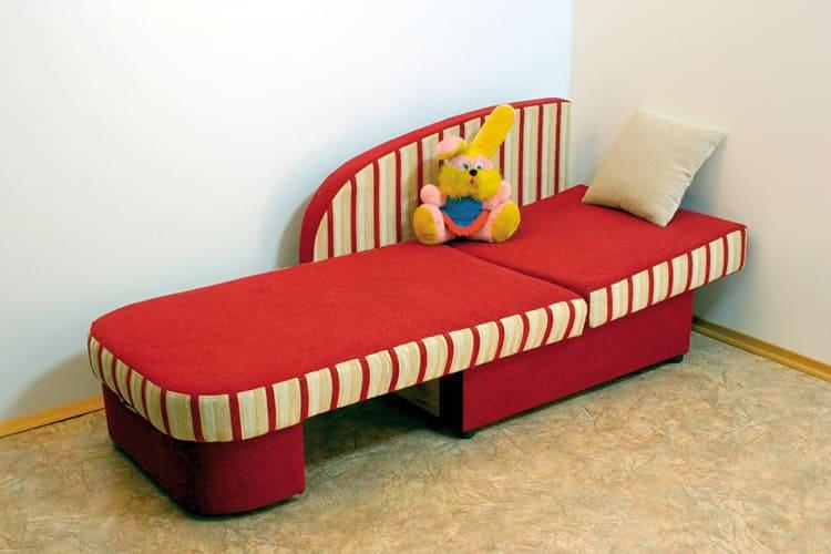 Детский диванчик в разложенном состоянии