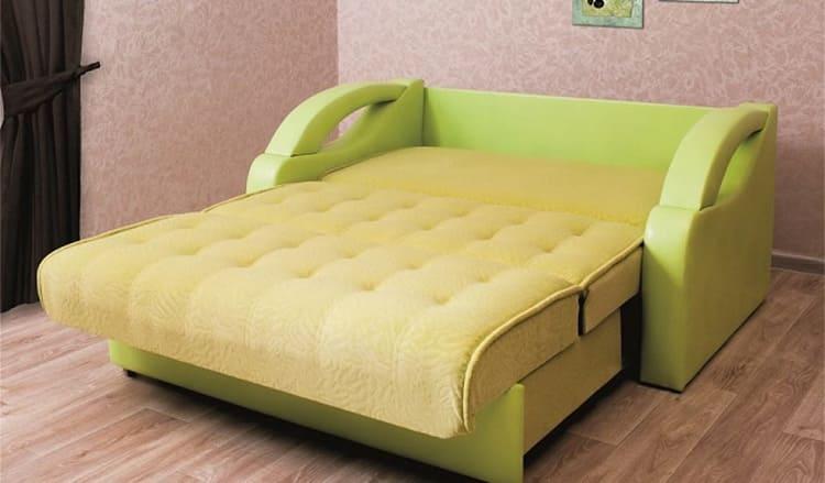 Матрасы рекомендуется накрывать двумя простынями при подготовке спального места