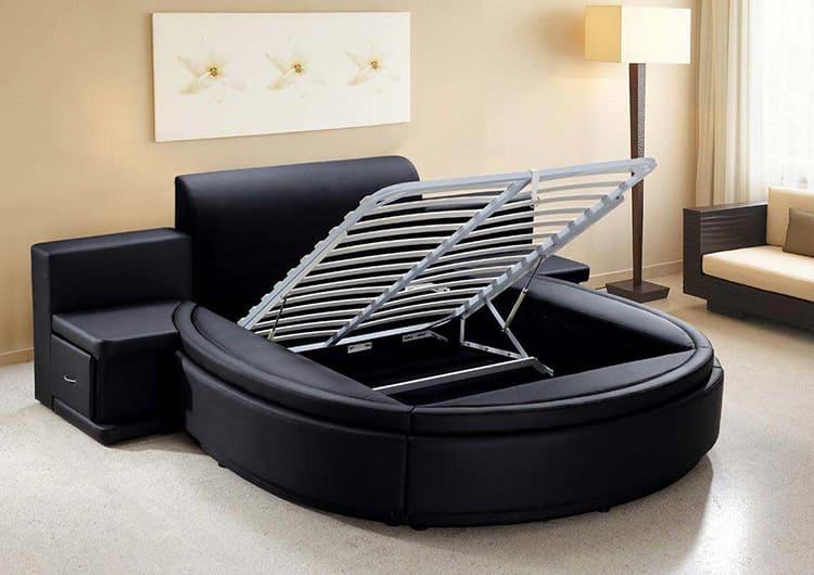 При покупке лягте на кровать вдвоём, убедитесь, что модель действительно вам подходит