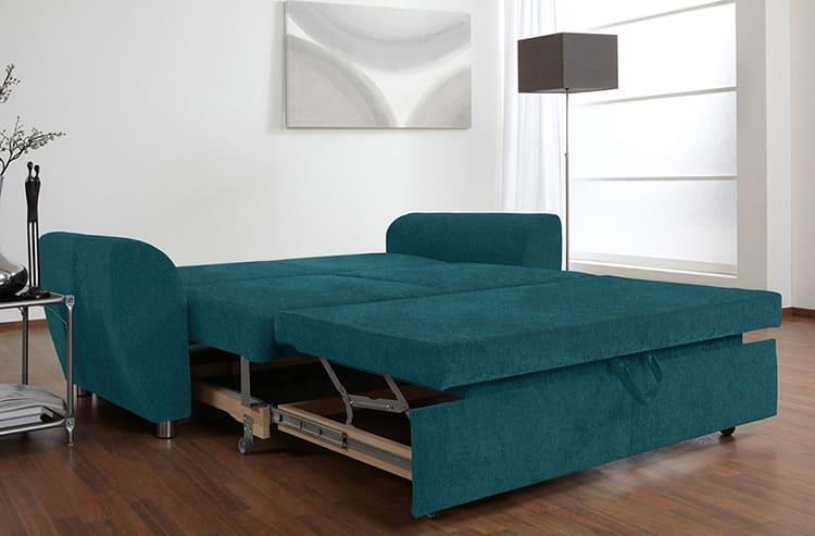 При покупке дивана-кровати обязательно убедитесь в прочности металлических конструкций