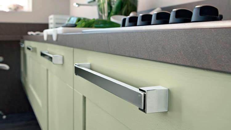 На массивных шкафчиках должны быть установлены соответствующие рукоятки