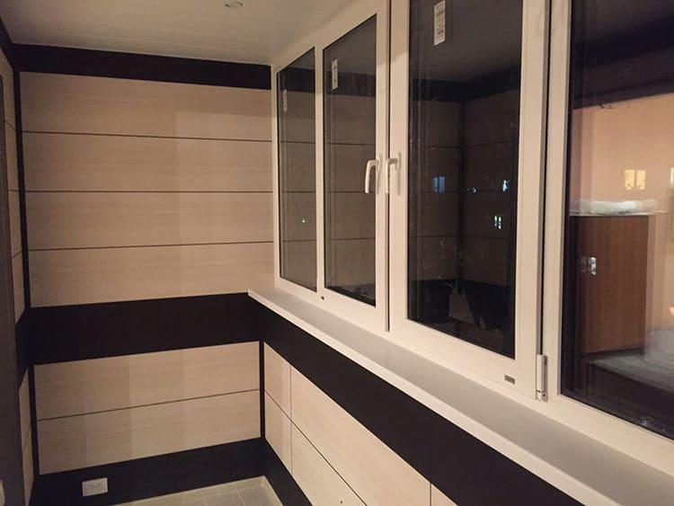 Для отделки балкона следует использовать панели с достаточным уровнем защиты
