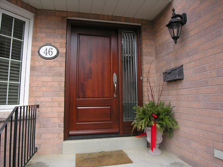 Конструктивное исполнение дверей может существенно отличаться
