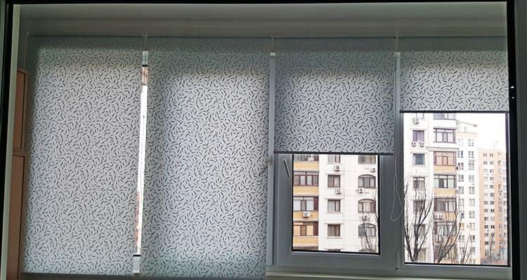Рулонные шторы идеальны для оформления лоджий