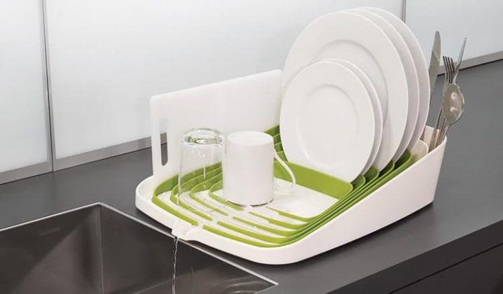 Незаменимая вещь на кухне: сушилка для посуды и её модификации